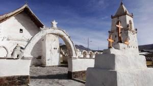 iglesia de isluga, parque nacional Volcán Isluga