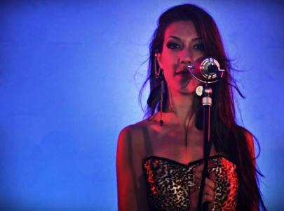 Karla Lima Cantante Vigo