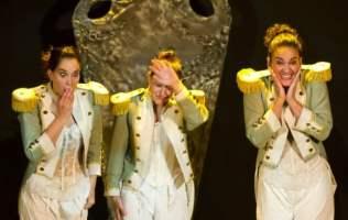 Teatro Mucho Ruido y pocas Nueces