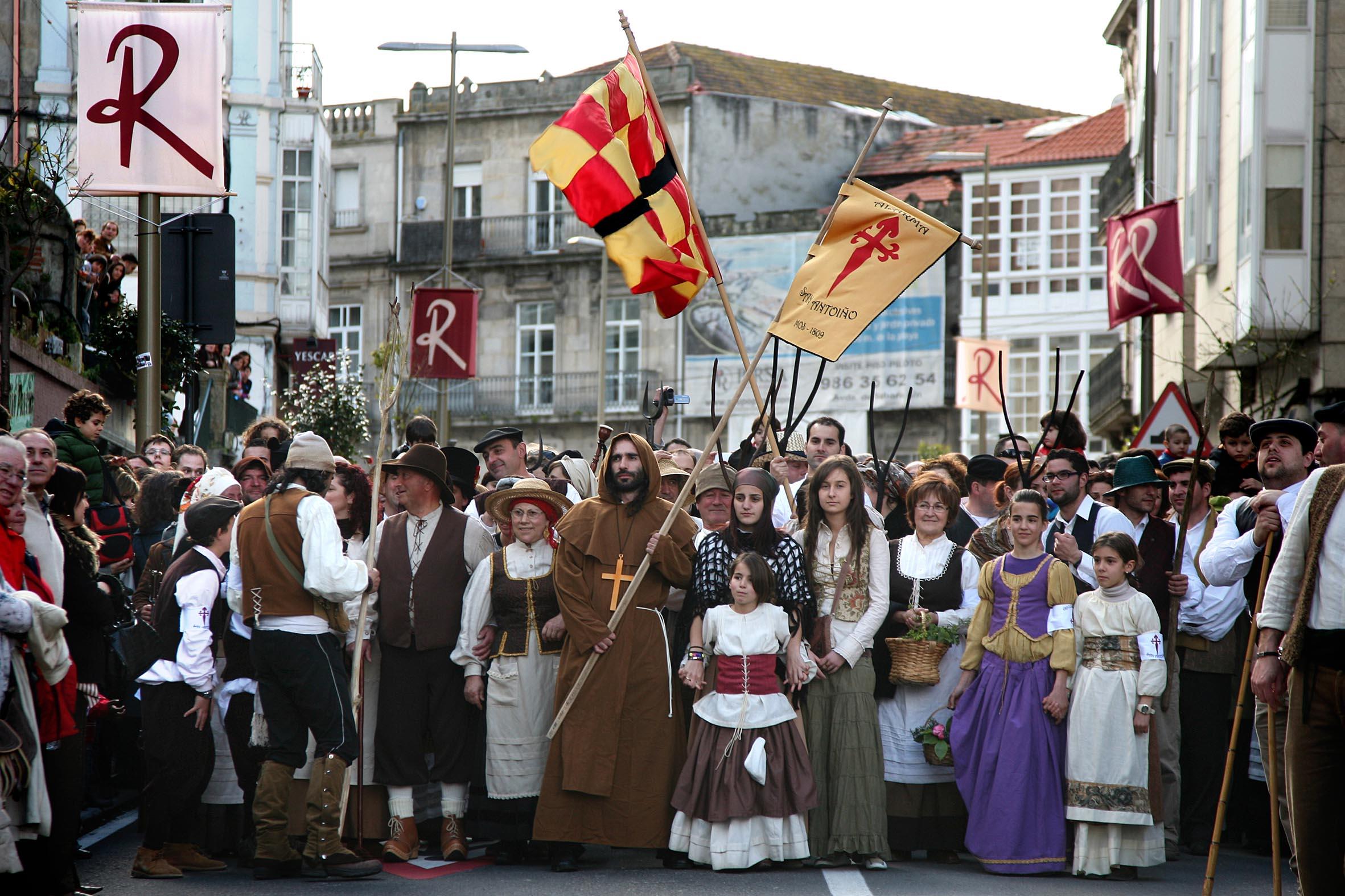 Exposición de roupa tradicional no Casco Vello de Vigo
