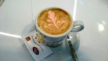 1 café a cambio de 1 Kilo de comida