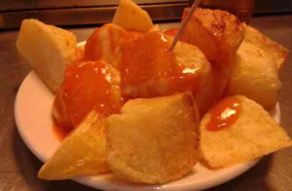 Las irresistibles patatas bravas del Docamar