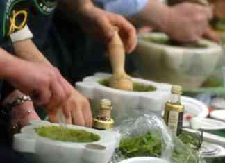 Campeonato mundial de Pesto genovese al mortaio en Passione Italia