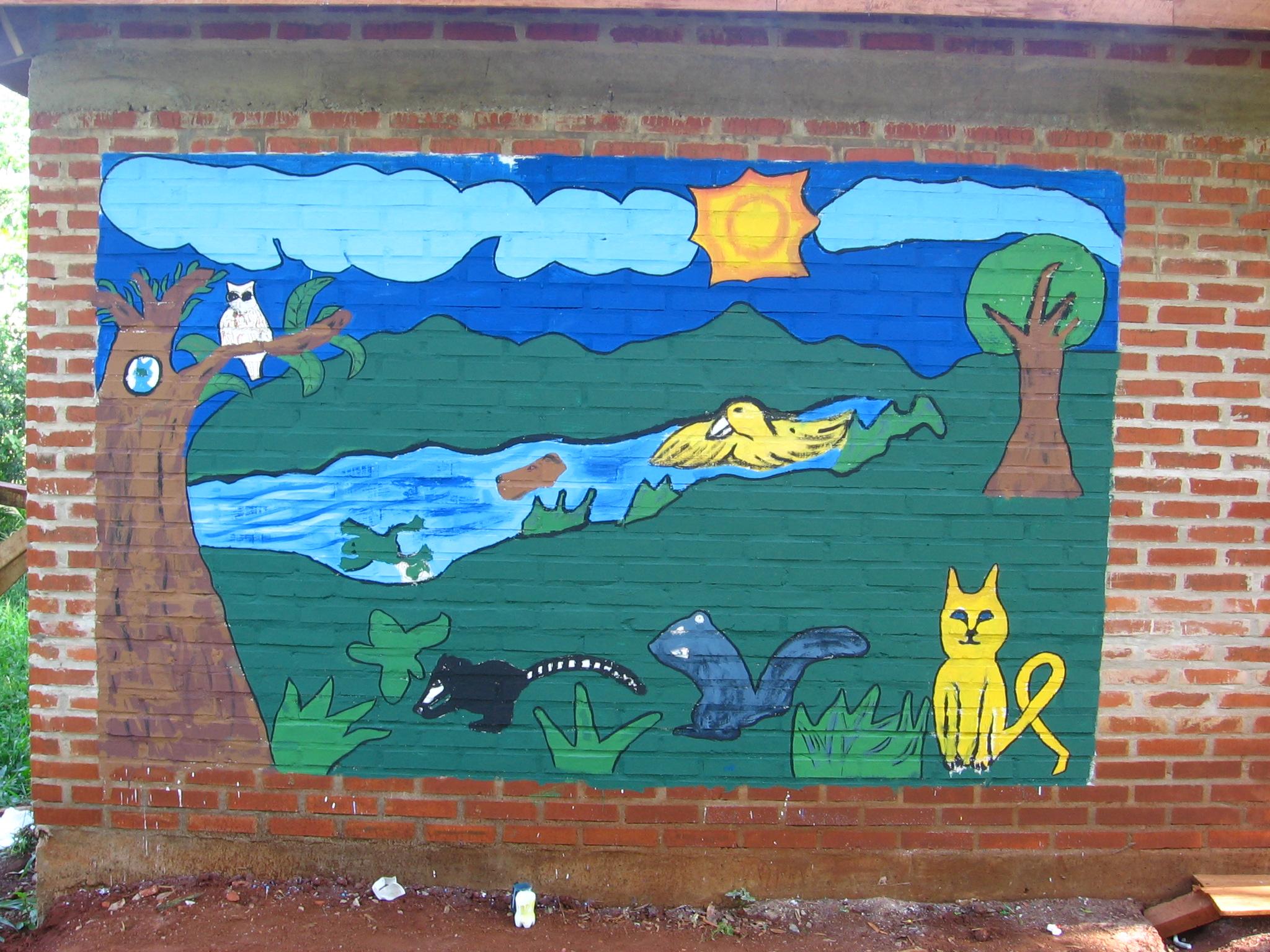 El mural en la pared de la escuela