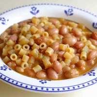 Pasta cà fasola 'ncirata, minestra di borlotti freschi