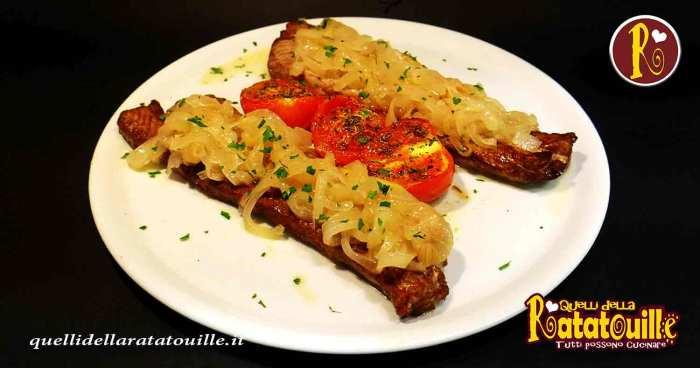 tonno arrosto con salsa di cipolle