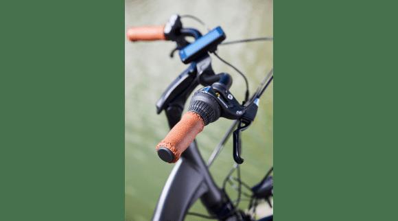 EssentielB Urban 600 VAE vélo électrique de ville Boulanger guidon