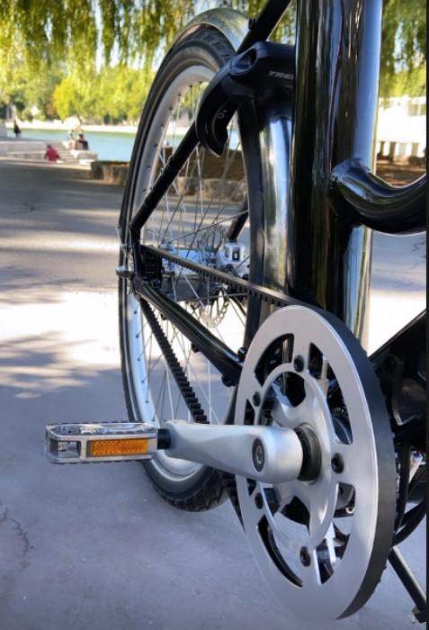 Vélo voltaire courroie
