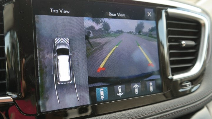 Chrysler Pacifica Review - Surround-view Camera