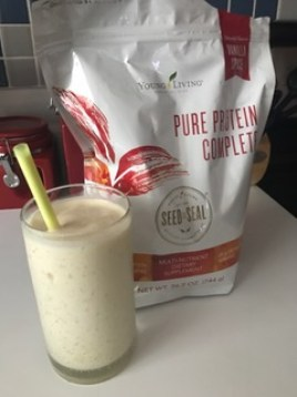 smoothie glass and protein powder
