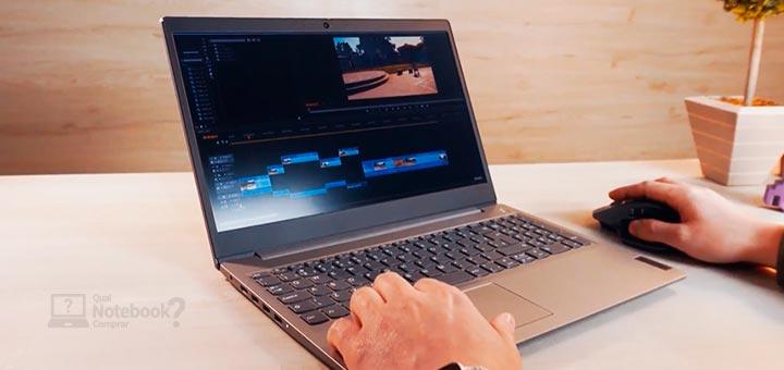 Lenovo IdeaPad 3i imagem do aparelho sendo usado na edição de videos