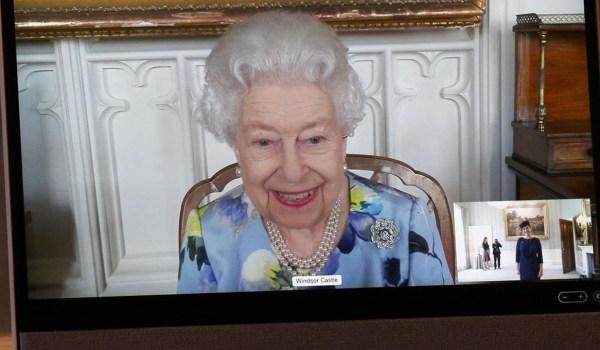 Reina Isabel Harry Meghan Markle