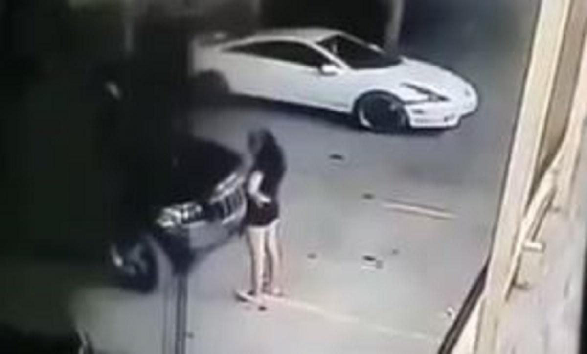 atropella a su amiga