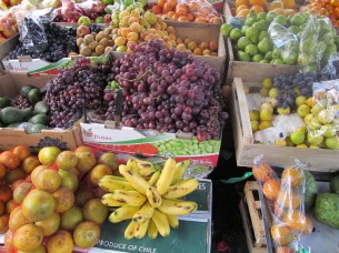 Can't get enough of the fruits and veggies! Mercado de Gualaceo.