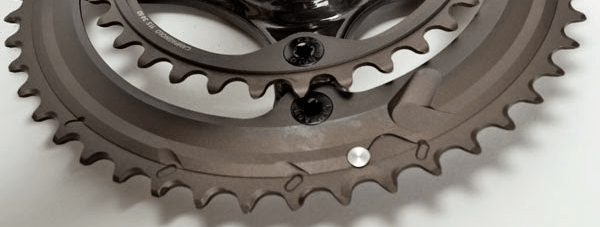 Arreglo de tornillos dobles en la multiplicación Campagnolo Super Record de 2015
