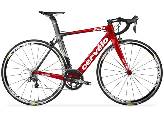 Bicicleta Cervélo S3, con cuadro para ruta aerodinámico.
