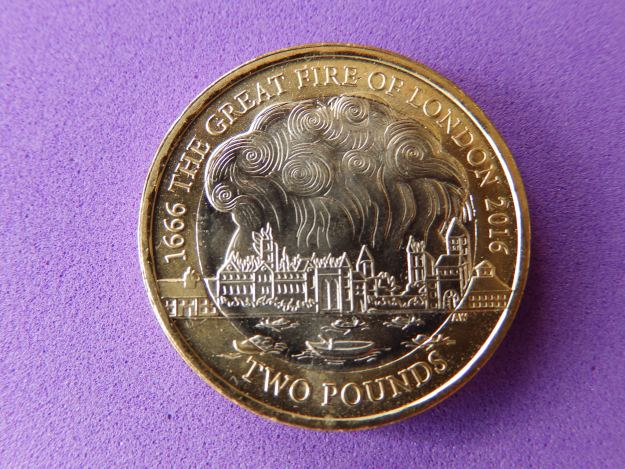 £2 coin commemorating the Great Fire of London
