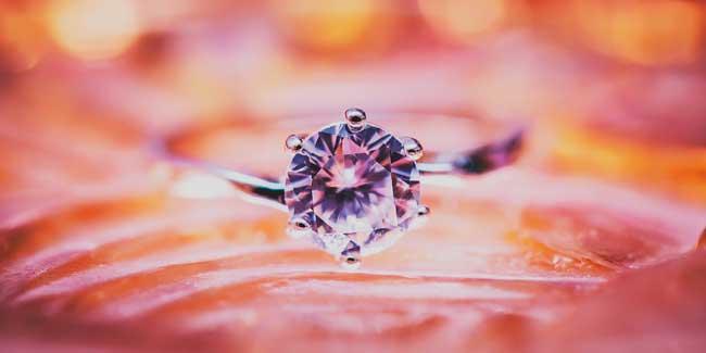 Soñar con anillo de diamantes