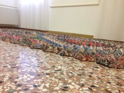 Il tappeto Origami, tecnica modulare, con carta riciclata Tassotti