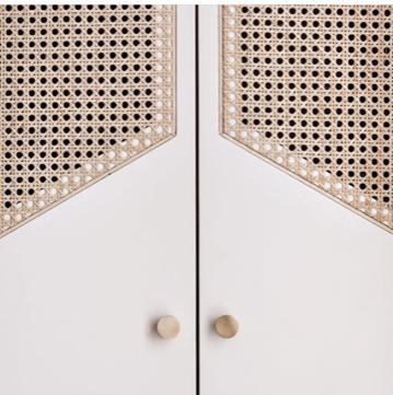 Hotel Doiset . cane doors