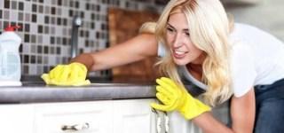 pulire il piano lavoro in laminato 1 320x150 Home