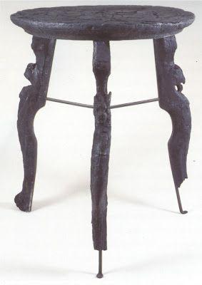 Tavolino con figure intagliate. Ercolano