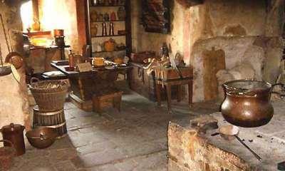 L'arredamento nel Medioevo – lo stile Gotico.