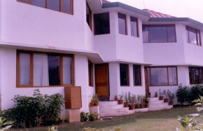 Classic Hilltop Resort, Chamba, Uttarakhand(17)
