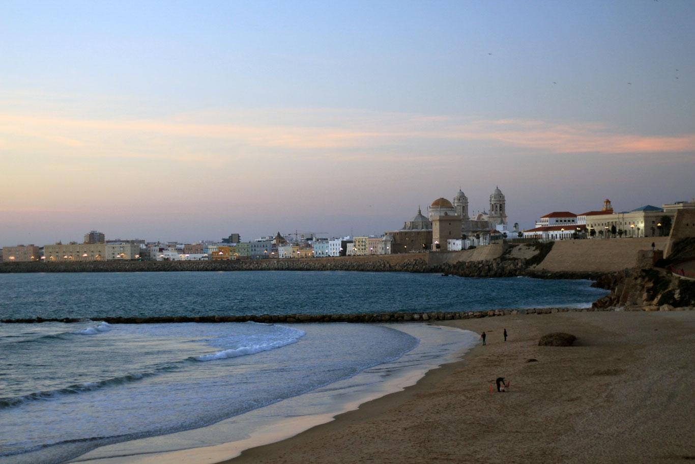 Пляж Вікторії у м. Кадіс. Зображення до уроку