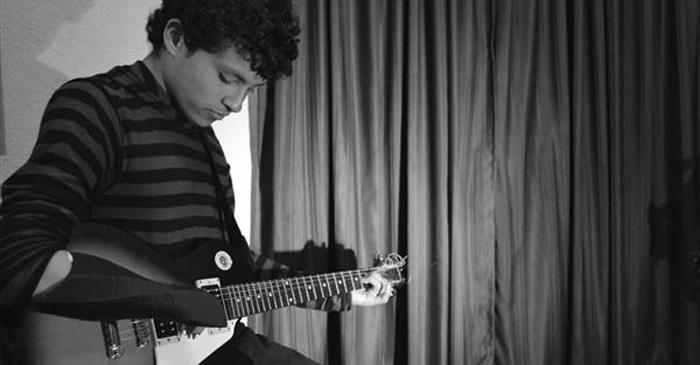 protesis para tocar la guitarra