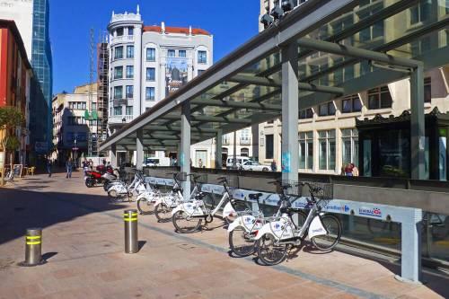 Zona de alquiler de bicicletas en el casco histórico de Burgos