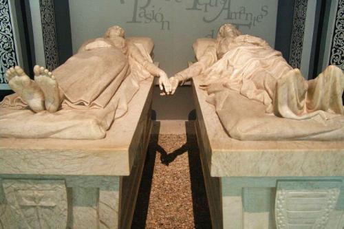 Mausoleo de los Amantes de Teruel, una joya de la escultura funeraria