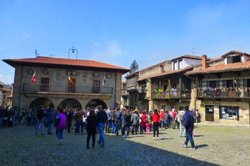 Ayuntamiento Viejo de Comillas en la Plaza de la Constitución