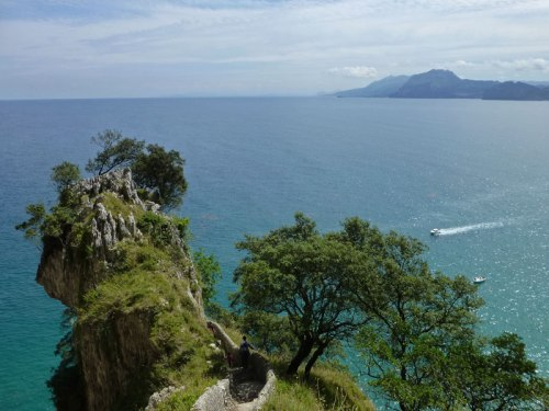 Bajada al Faro del Caballo en Santoña