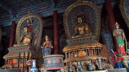 Estatuas de Buda en el Monasterio Huayan de Datong
