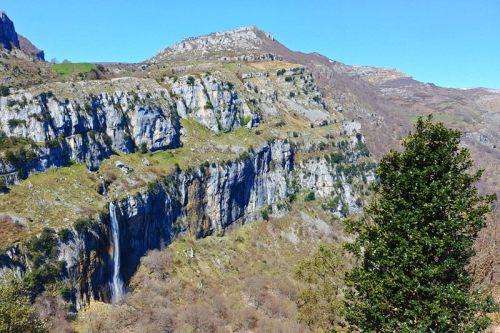 Formaciones rocosas dentro del Parque Natural Collados del Asón