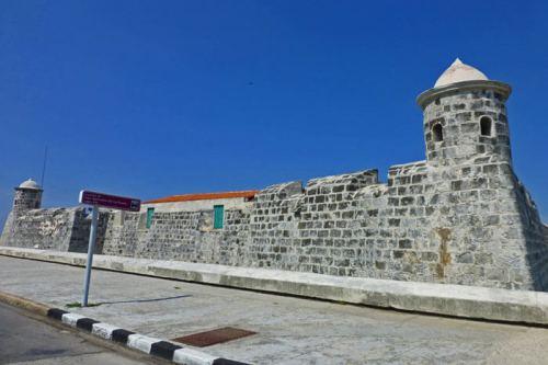 Castillo San Salvador de la Punta a la entrada de la Bahía de La Habana