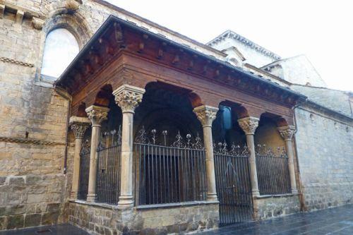 Lonja Chica de la Catedral de San Pedro en Jaca
