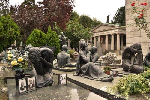 Esculturas funerarias del Cementerio Monumental de Milán