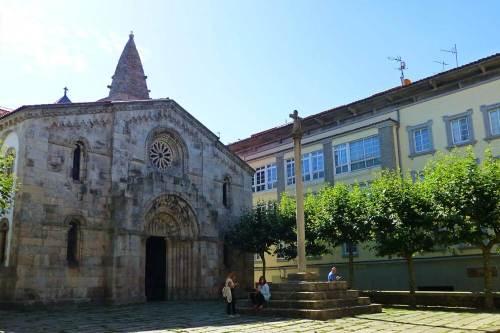 Colegiata de Santa María del Campo, una de las primeras iglesias construidas en La Coruña