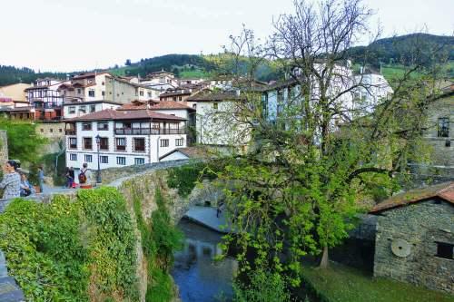 Puente de Potes, conocida desde la antigüedad como Villa de los Puentes