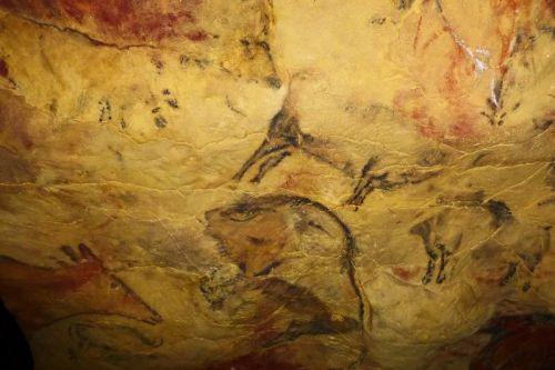 Réplica de las pinturas rupestres de la Cueva de Altamira