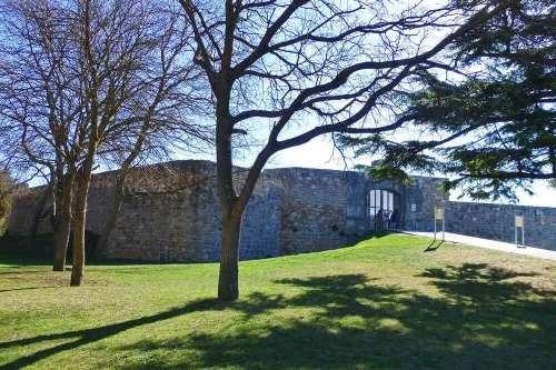 Entrada al Castillo de Burgos