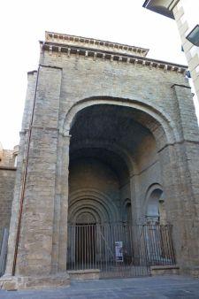 Entrada a la Catedral de Jaca