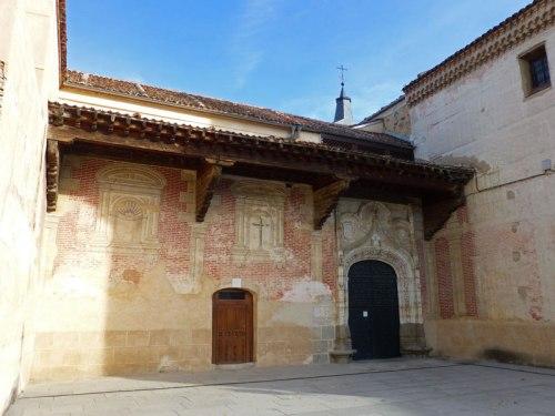 Detalle de la portada del Monasterio de San Antonio el Real