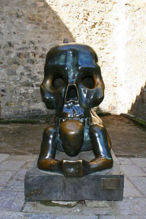 Escultura de David Cerny en la Torre Daliborka