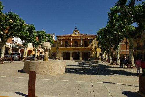 Plaza Mayor de Madrigal de la Vera