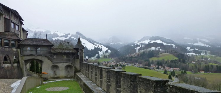 Qué mejor época que el invierno para visitar los encantadores pueblecitos de los Alpes suizos