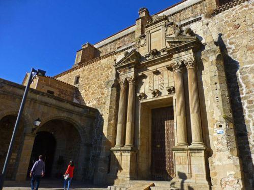 Iglesia y Convento de Santo Domingo, actual Parador de Turismo de Plasencia