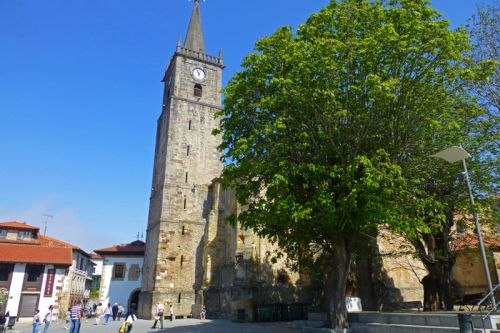 Iglesia de San Cristóbal, el edificio religioso más importante de Comillas